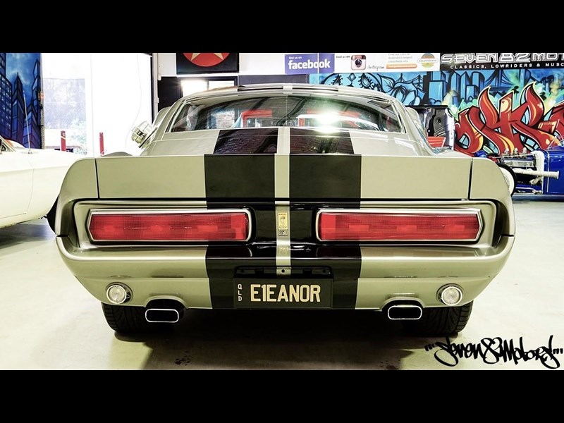 ford mustang 733055 009