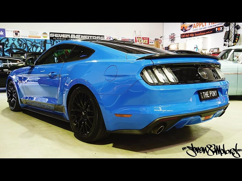 ford mustang gt 733890 007