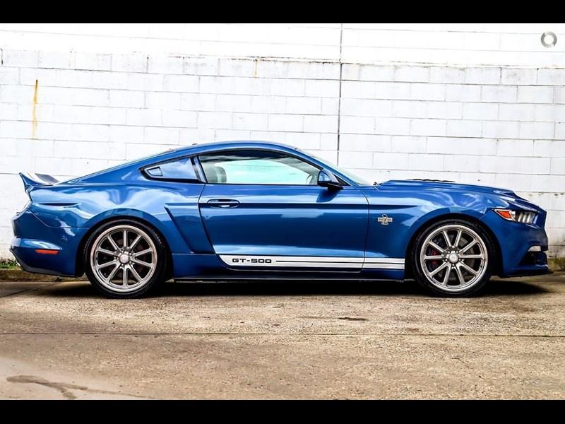 ford mustang 734598 003