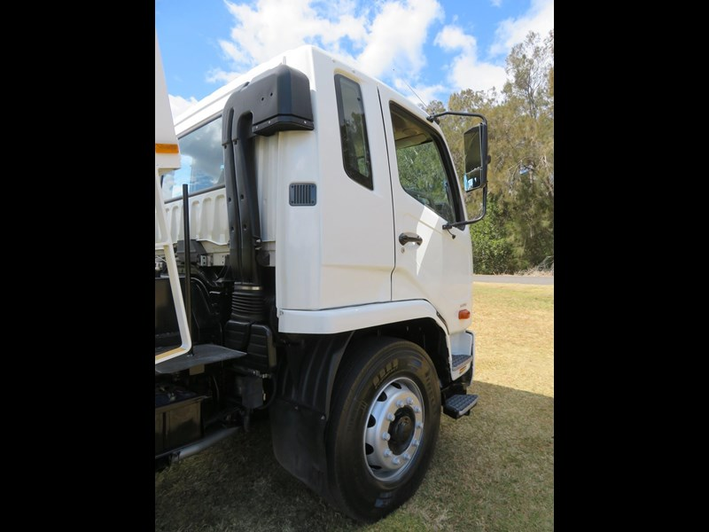 fuso fighter 1627 708811 035