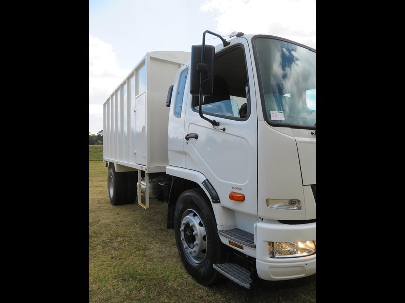 fuso fighter 1627 708811 049