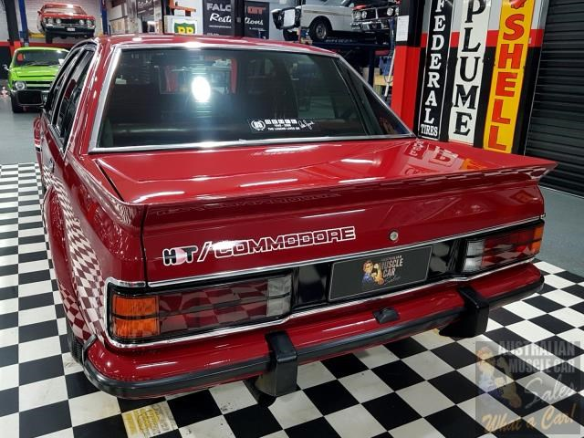 holden commodore 718952 015