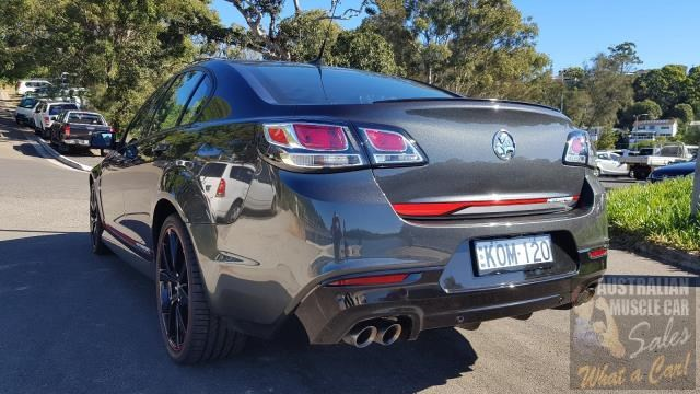 holden commodore 700778 011
