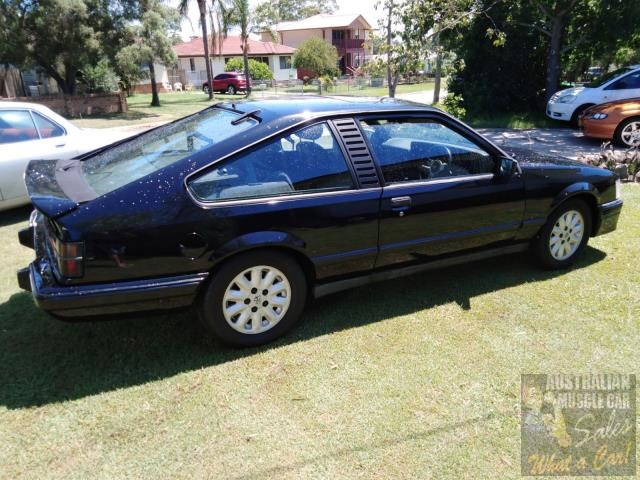 holden commodore 697989 009