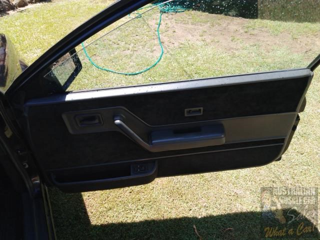 holden commodore 697989 045