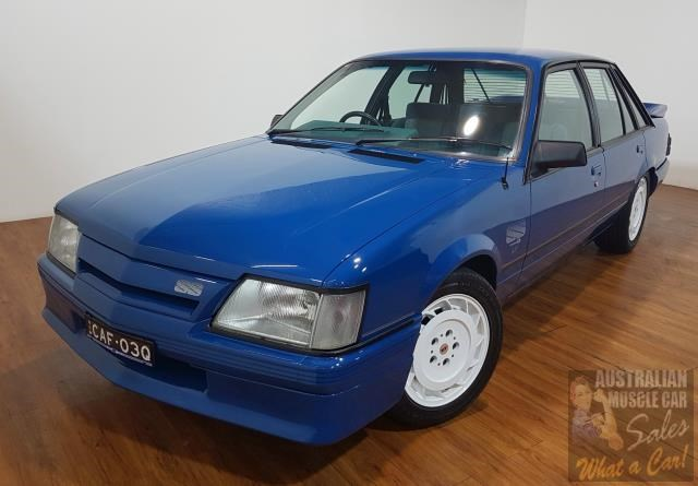 holden commodore 619871 005