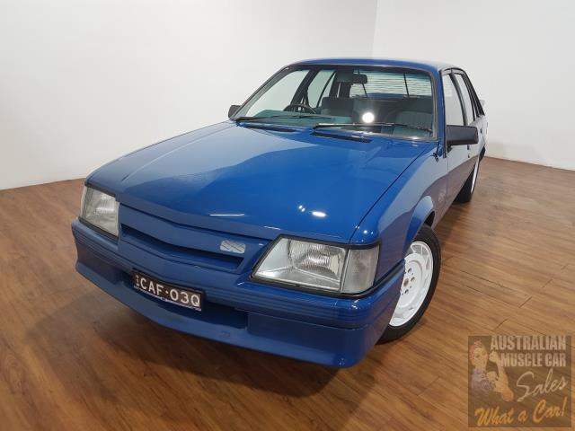 holden commodore 619871 007
