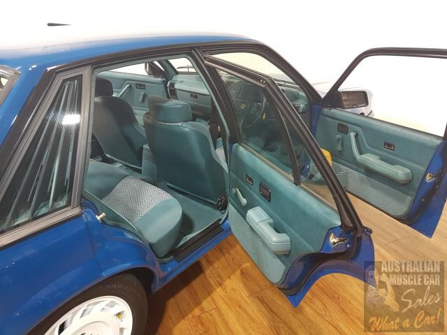 holden commodore 619871 053