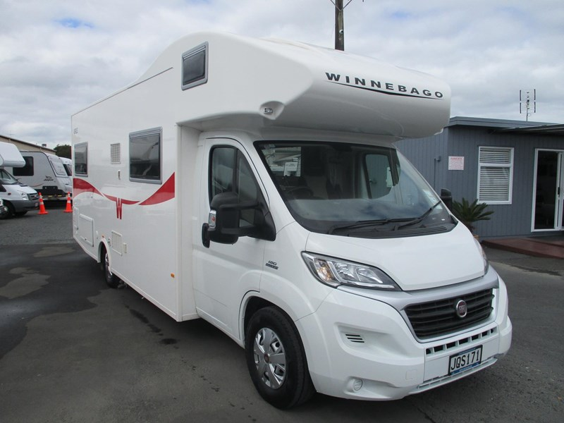 winnebago (apollo) airlie 742307 003