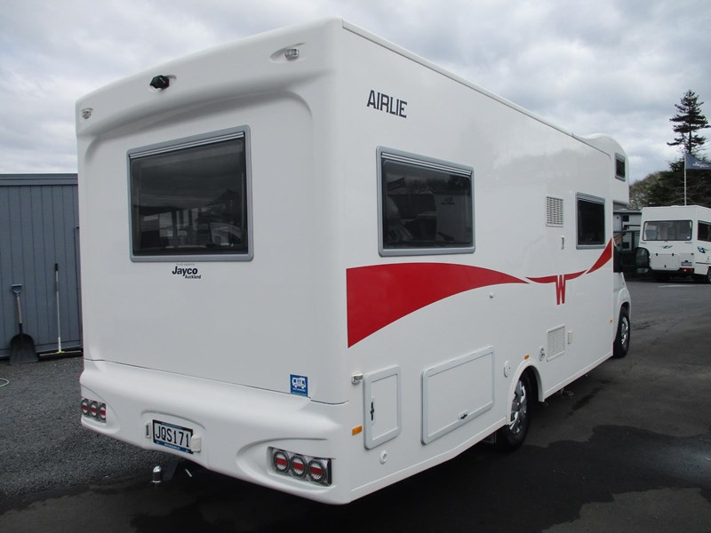 winnebago (apollo) airlie 742307 005
