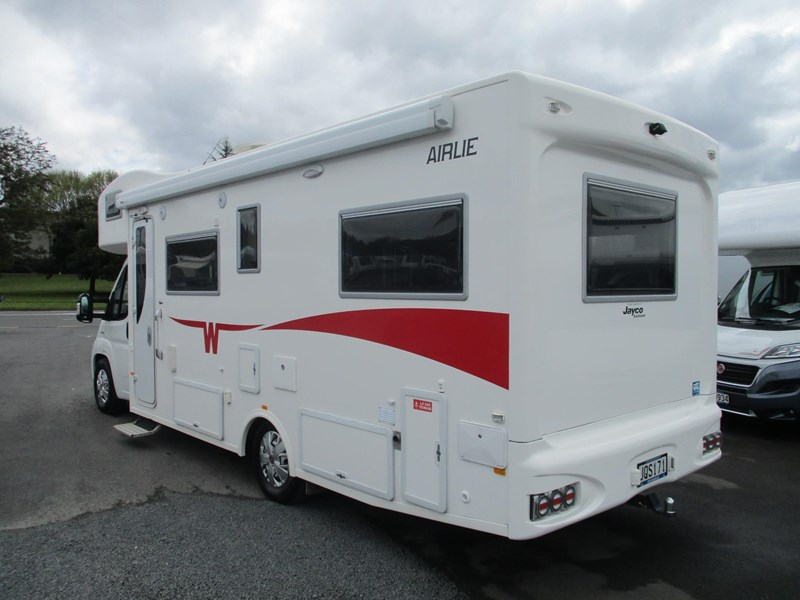 winnebago (apollo) airlie 742307 007