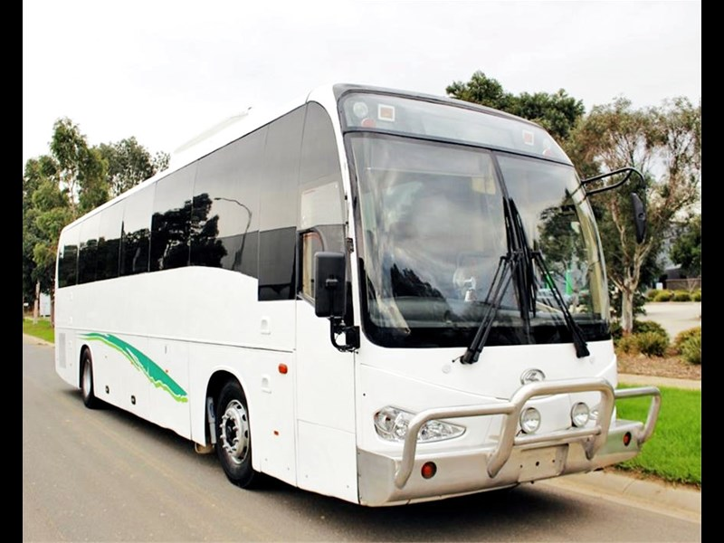 iveco king long delta bus 744592 003