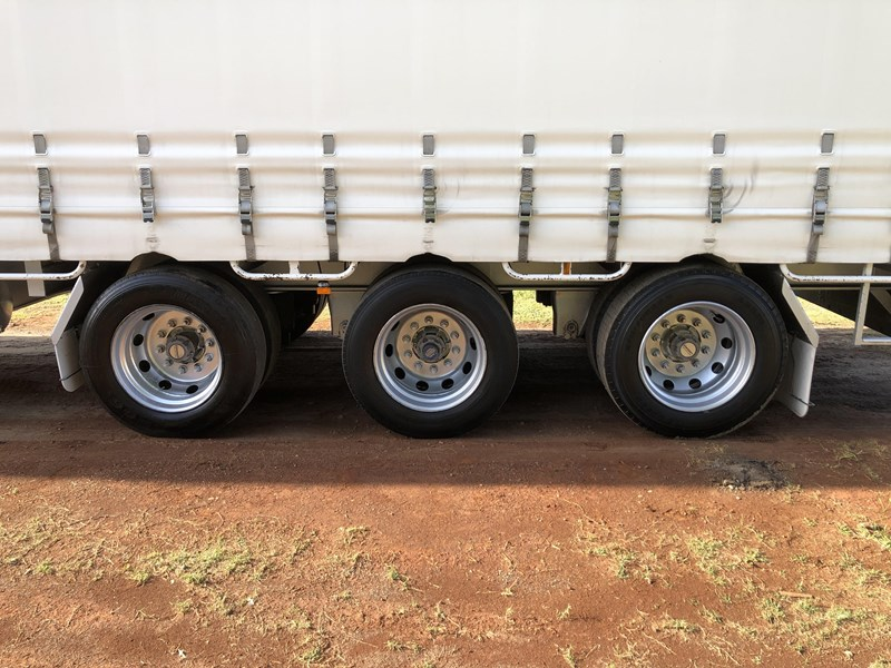 vawdrey 45ft tri-axle drop deck tautliner mezz floors 744806 033