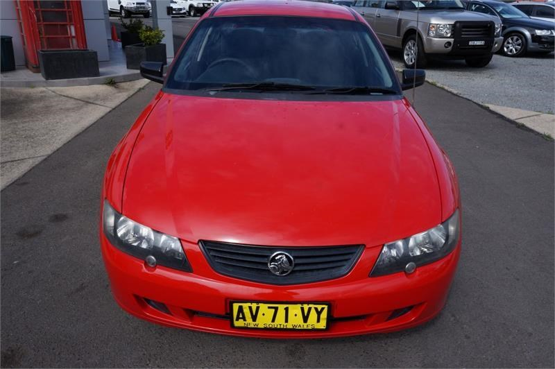 holden commodore 745687 005