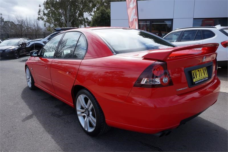 holden commodore 745687 023