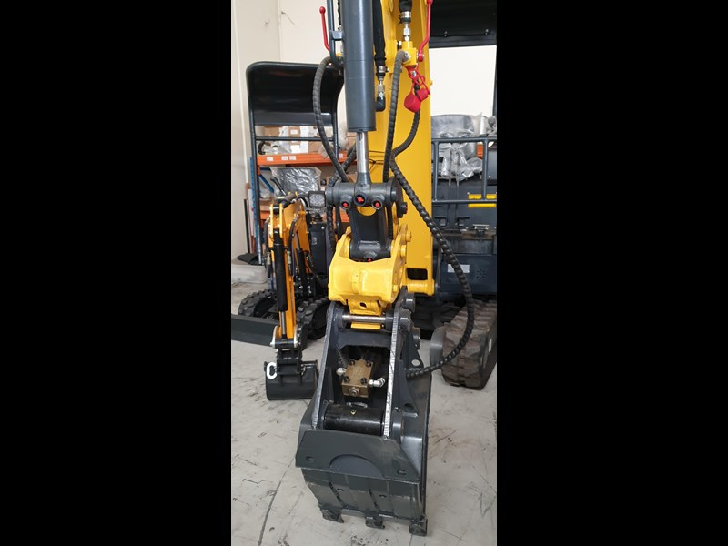 carter zero swing mini excavator 746874 007