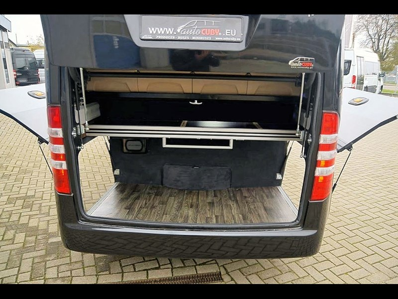 mercedes-benz sprinter 748052 013