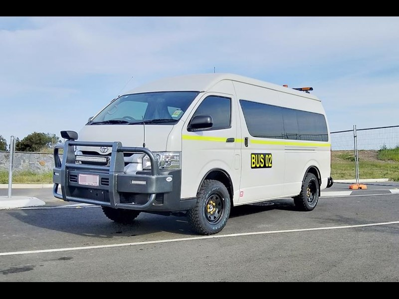 toyota 4x4 conversion of commuter bus 748126 021