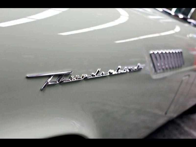 ford thunderbird 749037 019
