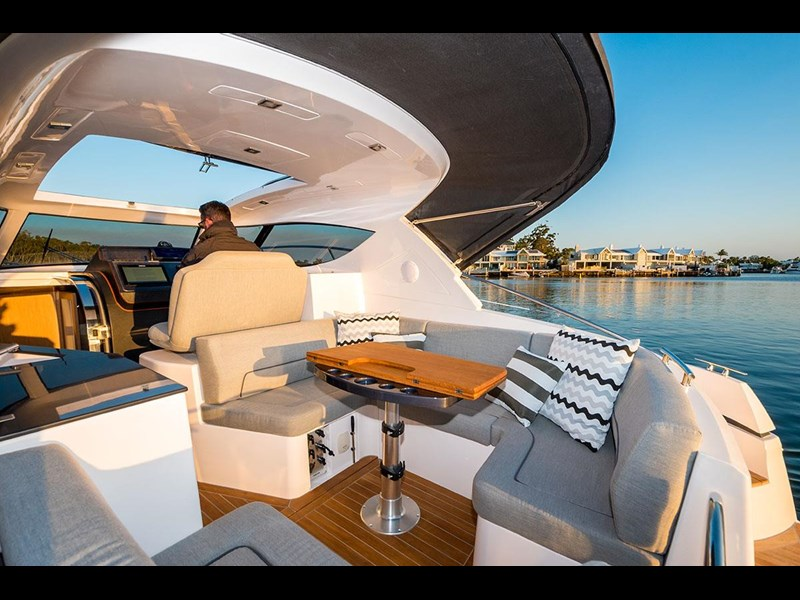 focus motor yachts focus 33 sports 750817 011