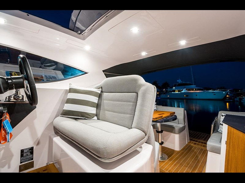 focus motor yachts focus 33 sports 750817 075