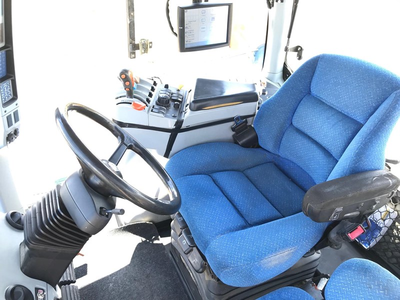 new holland t8050 739256 009