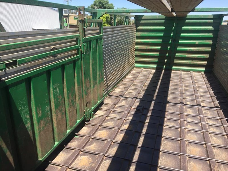 byrne 2 deck cattle b double 751253 005