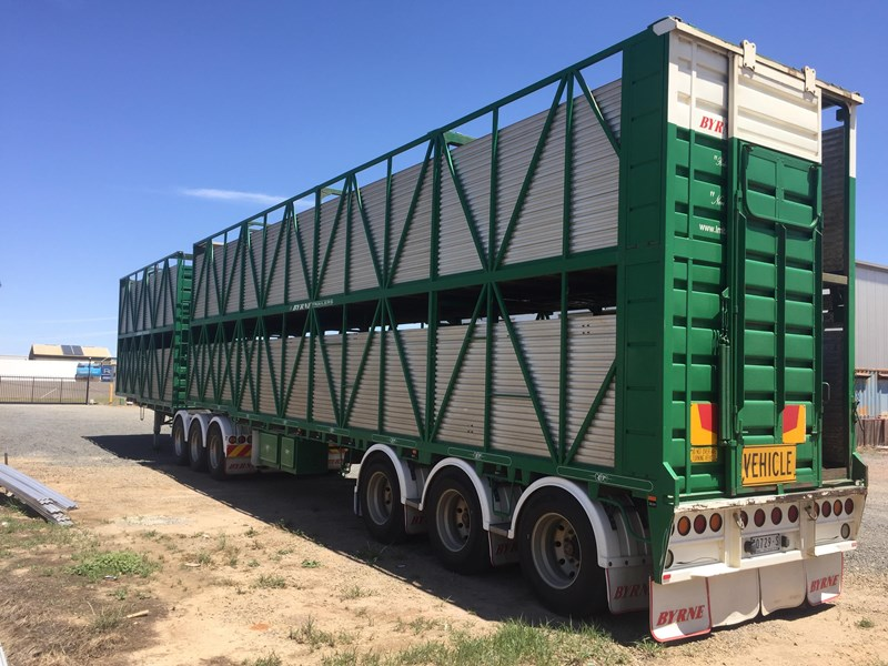 byrne 2 deck cattle b double 751253 009