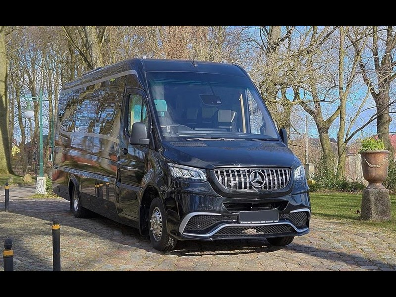 mercedes-benz sprinter 748052 001