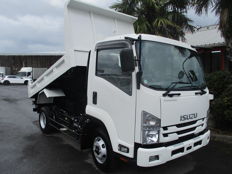 isuzu forward 751888 007