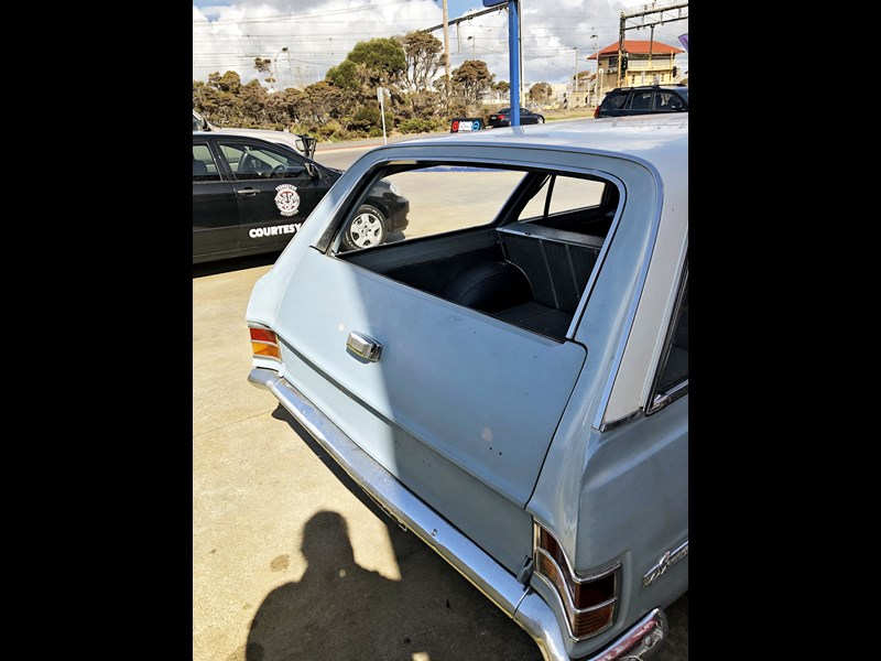 holden hd 752588 015