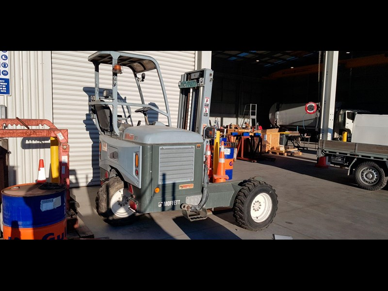 equipment warehouse moffett 752798 003