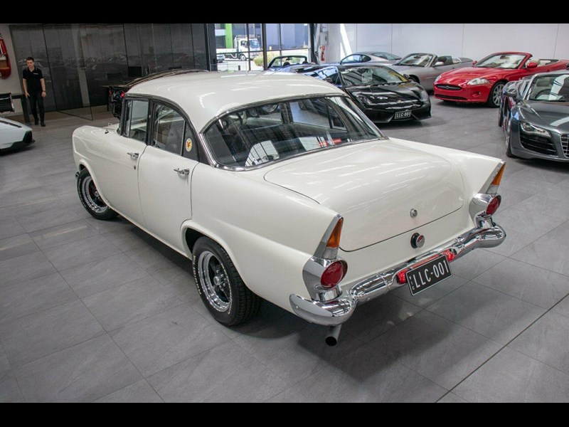 holden special 753160 051