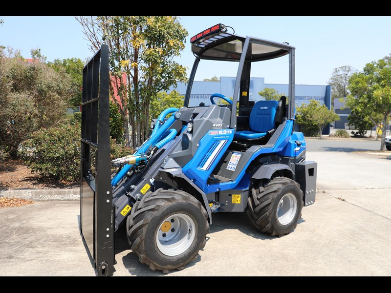 multione 6.3+ bee loader with side shift forks 583153 003