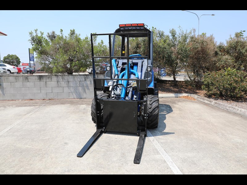 multione 6.3+ bee loader with side shift forks 583153 033