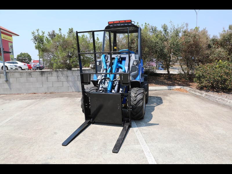 multione 6.3+ bee loader with side shift forks 583153 035