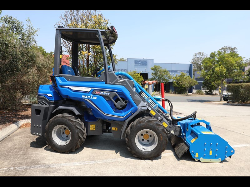 multione 6.3+ bee loader with side shift forks 583153 055