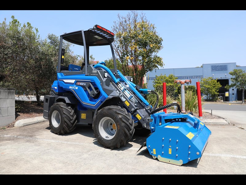 multione 6.3+ bee loader with side shift forks 583153 059