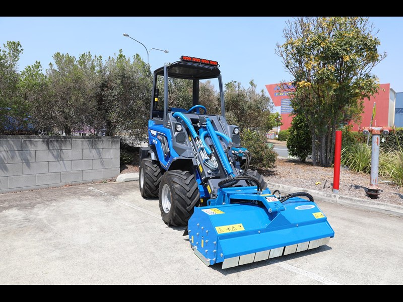 multione 6.3+ bee loader with side shift forks 583153 061