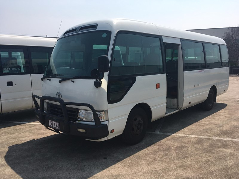 toyota coaster 50 series 21 seater bus 753640 001