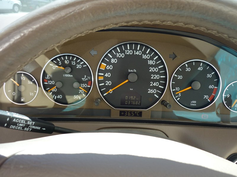 mercedes-benz sl320 755368 041