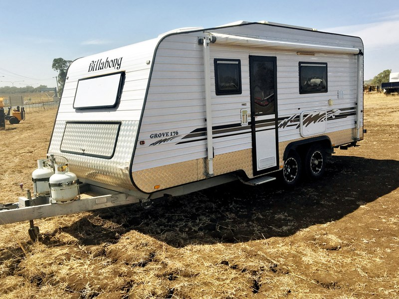 caravan billabong 756951 001