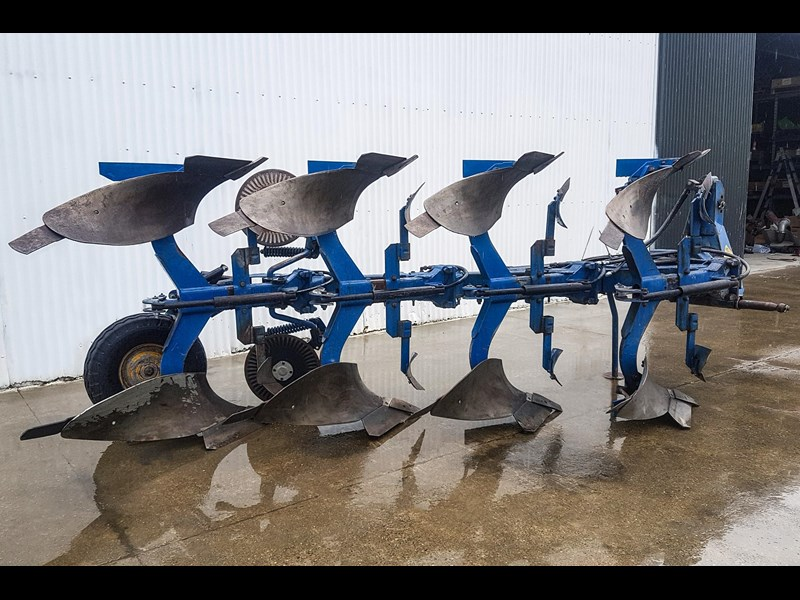 overum cv498h 4 furrow reversible plough 747509 005