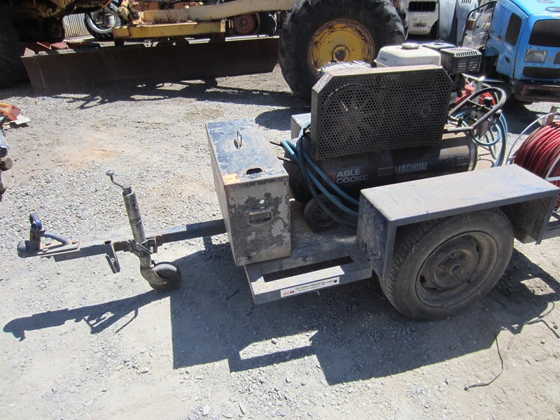 ingersoll-rand trailer mounted air compressor 760408 011