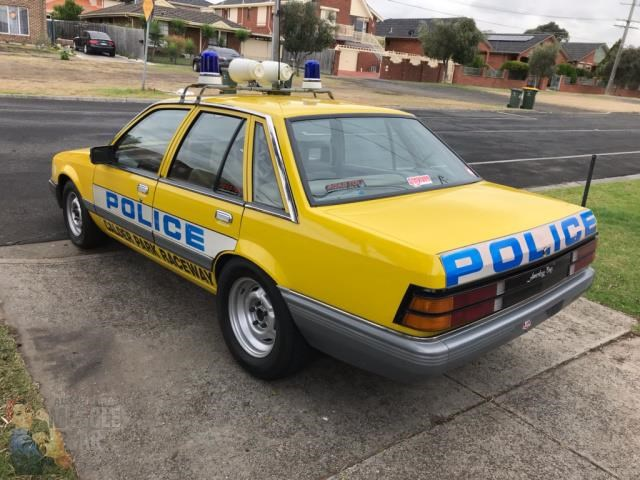 holden commodore 765462 023