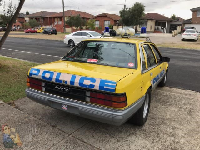 holden commodore 765462 027