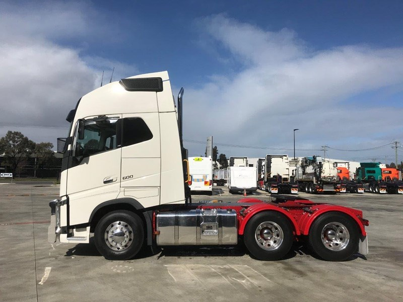 volvo fh globetrotter 737862 011