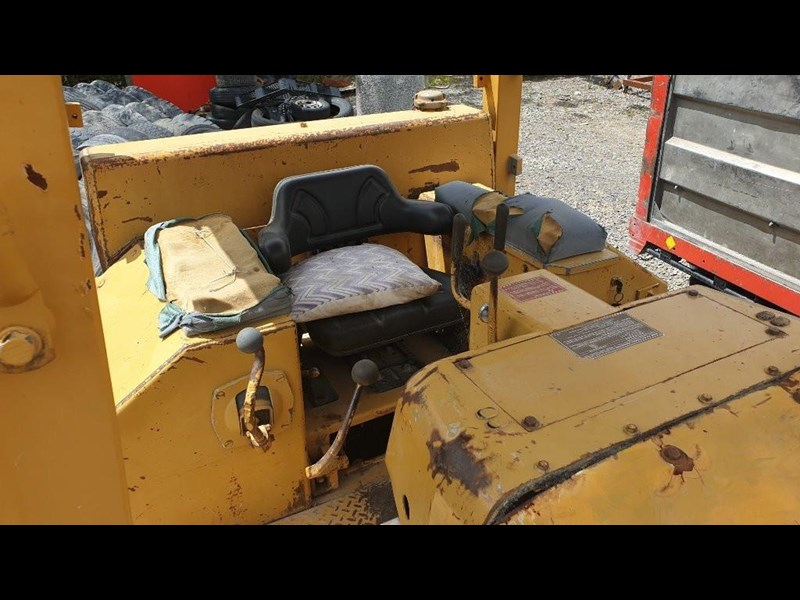 caterpillar d4e bulldozer 766024 025