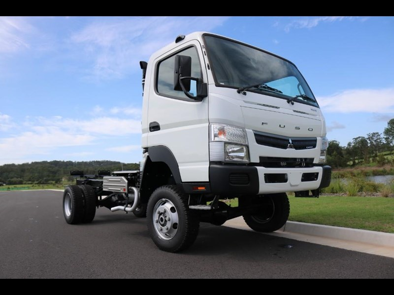 fuso canter 766885 001