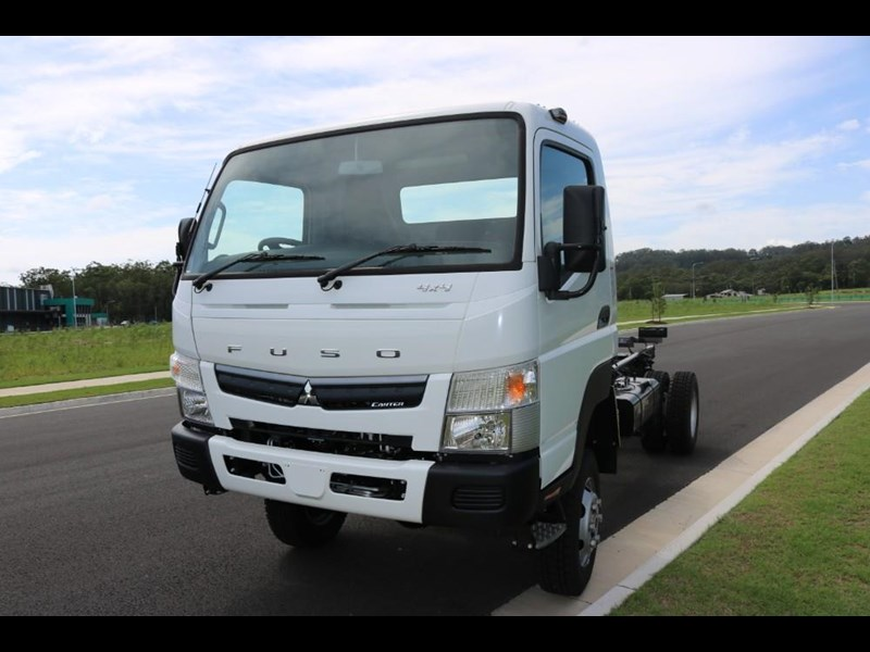 fuso canter 766885 011